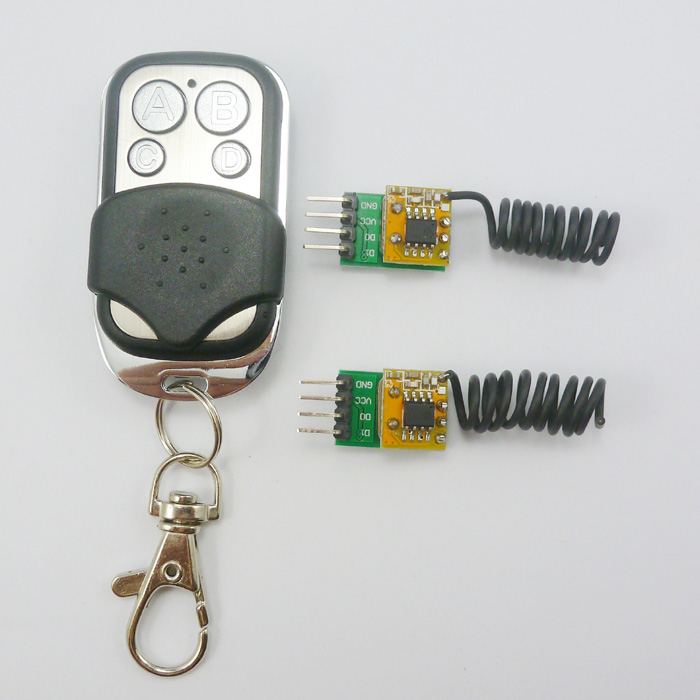 Small 17 * 12 * 9mm 3g 433MHZ 4 Channels RF Radio Wireless Controller + Remote